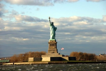 New york tourist attractions for Attractions in new york new york